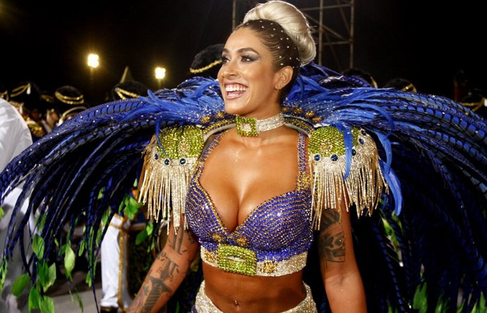 The beautiful former panicat arrives this Carnival as Godmother States of Vila Maria