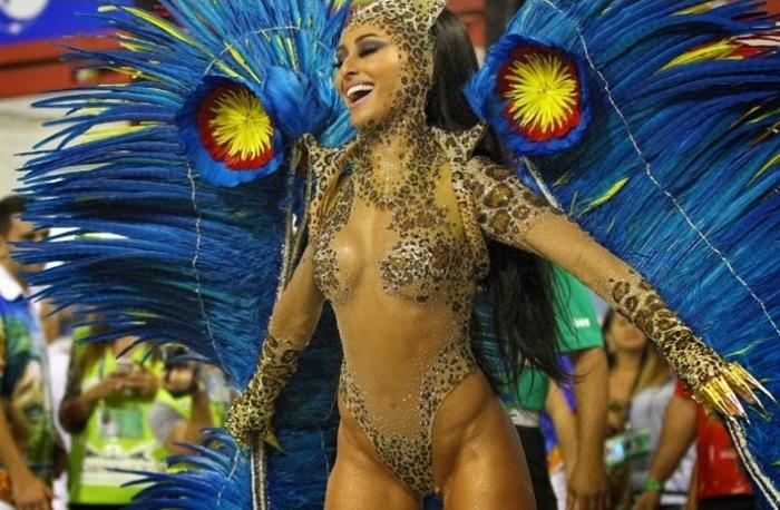 Sabrina-Sato-Musas-do-Carnaval-2015